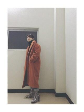高橋愛さんの「【好評につき再入荷!】SOFIE WOOL SHORT COAT(SLY スライ)」を使ったコーディネート