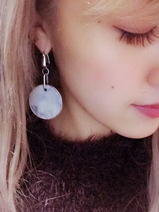 夏焼雅さんの「MARBLE KEY CHAINピアス(EMODA|エモダ)」を使ったコーディネート