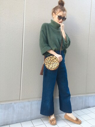 n a g i s aさんの「LOOSE COLLER SHORT KNIT(Ameri|アメリヴィンテージ)」を使ったコーディネート