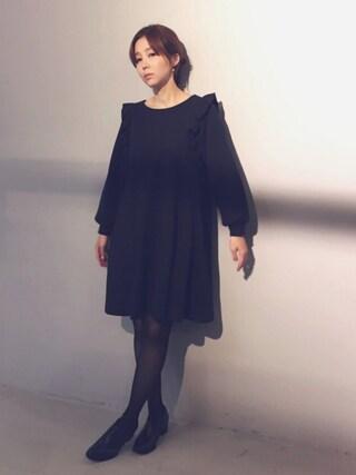 MEGさんの「【MEG着用】CAROLINA GLASER / 裏毛フリル ワンピース(CAROLINA GLASER|カロリナ グレイサー)」を使ったコーディネート