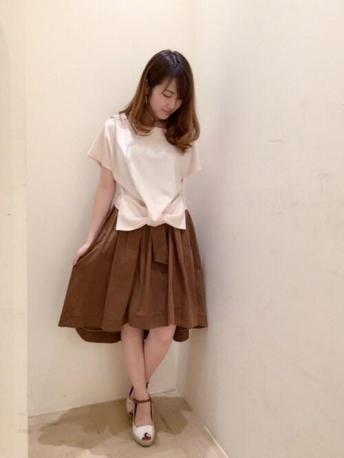 Ayaka Hishizakiさんの「【美人百花掲載】ヘムリボンカットプルオーバー(Supreme.La.La)」を使ったコーディネート