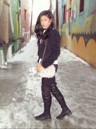 (H&M) using this Debbie Ruiz looks