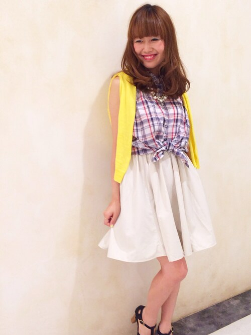 「きゅっ!ふわっ♡」の魔法*前結びシャツ+フレアスカートが爽やかガールの鉄則!