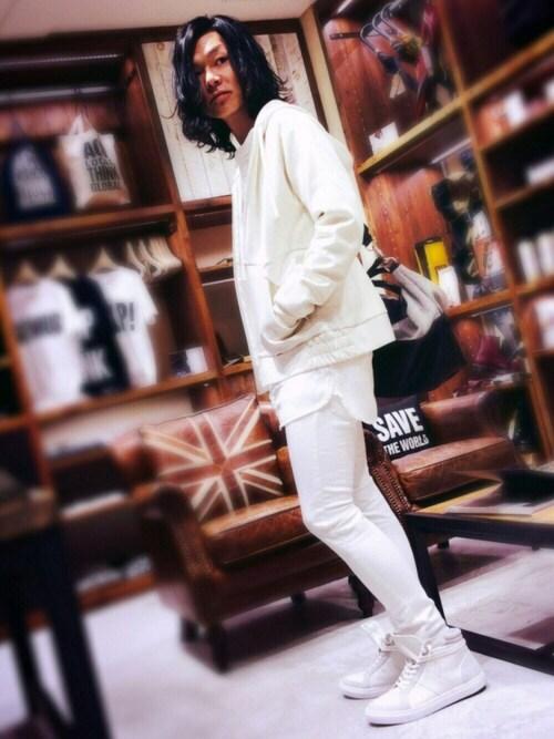 LOVE by KATHARINE HAMNETT 新宿メンKIKURINEさんのパーカー「CARDBOARD KNIT PARKA / ダンボール