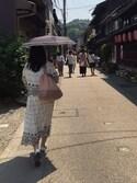 山下菜摘さんの「フラワー刺繍晴雨兼用ミニパラソル(grove|グローブ)」を使ったコーディネート
