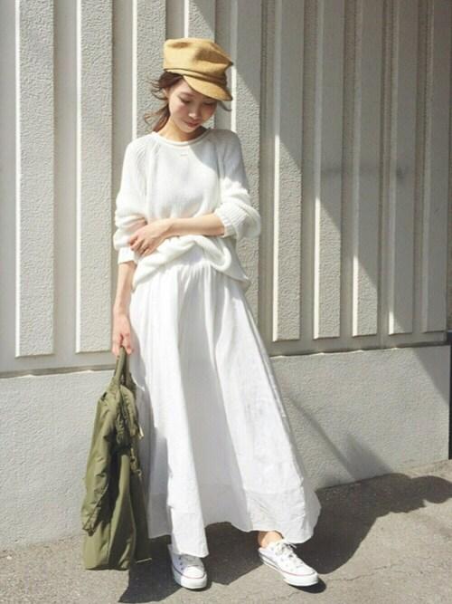 ホワイト ボリュームスカート 30代 秋冬 写真
