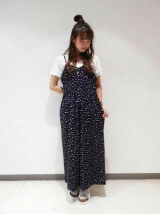 Heather 渋谷パルコ店|Heather 渋谷パルコ店 STAFFさんの「MOC VネックT 716279(Heather|ヘザー)」を使ったコーディネート