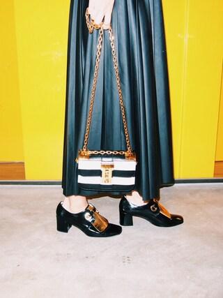荻原桃子さんの「Valentino Small B-Rockstud leather shoulder bag(Valentino|ヴァレンティノ)」を使ったコーディネート