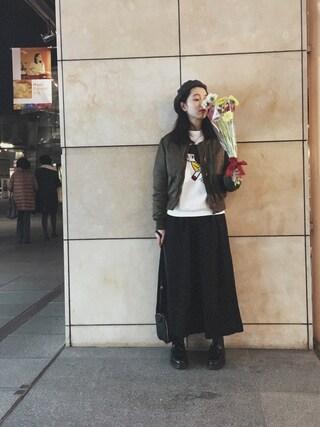 小谷実由さんの「mame 刺繍MA-1(mame|マメ)」を使ったコーディネート