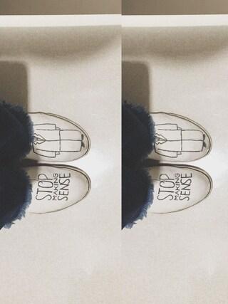 小谷実由さんの「自作スニーカー」を使ったコーディネート