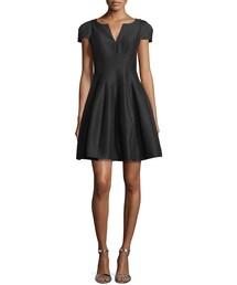 Halston「Halston Heritage Tulip-Skirt Split-Neck Dress, Black(One piece dress)」
