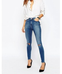 Asos「ASOS Ridley High Waist Skinny Jeans in Darmera Mid Stonewash with Busted Knees(Denim pants)」