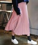 DHOLIC(ディーホリック)の「バックゴムシルキープリーツミモレスカート(スカート)」