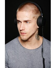 Forever 21(フォーエバー トゥエンティーワン)の「FOREVER 21 Urbanears Zinken Headphones(生活家電/PCグッズ)」