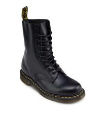 Dr. Martens(ドクターマーチン)の「10 Eye Boots(シューズ)」