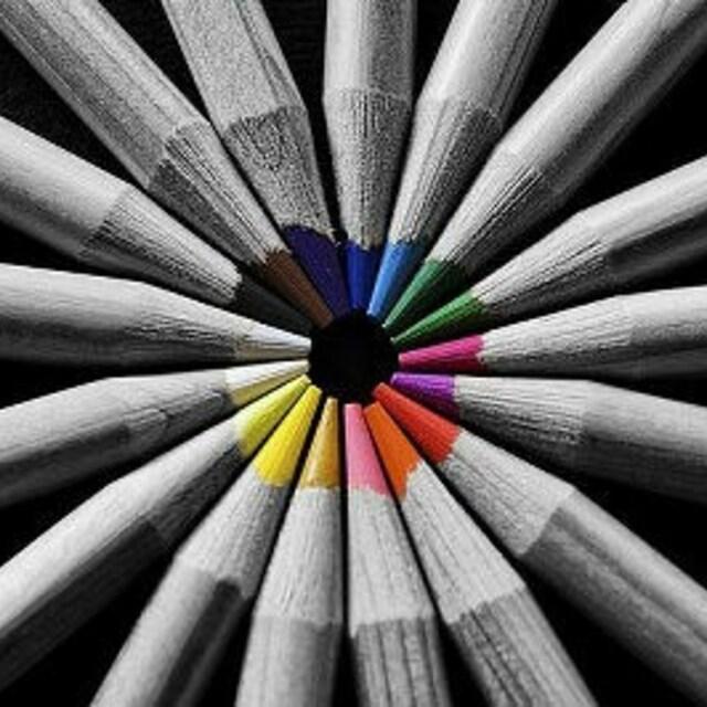 Как сделать чёрно-белым так чтобы часть осталась цветной