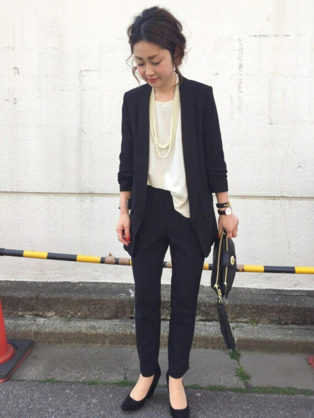 幼稚園 保護者 かっこいい黒のパンツスーツ 写真