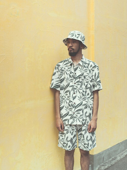 BACK CHANNELさんの「LEAF LINEN SHORTS(Back Channel)」を使ったコーディネート