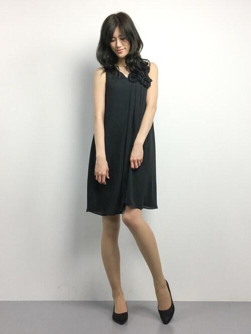 ZOZOTOWNちゃら(永安いずみ)さんのドレス「フラワーコサージュ&サッシュベルト付きAラインフレアーワンピース(Luxe brille|リュクスブリエ)」を使ったコーディネート