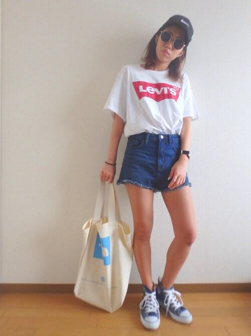 RikakoさんのTシャツ/カットソー「バットウイングロゴTシャツ(Levi's|リーバイス)」を使ったコーディネート