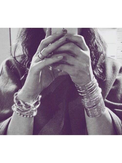 Noriko Kikuchiさんのバングル/リストバンド「馬蹄バングル(JAM HOME MADE|ジャムホームメイド)」を使ったコーディネート