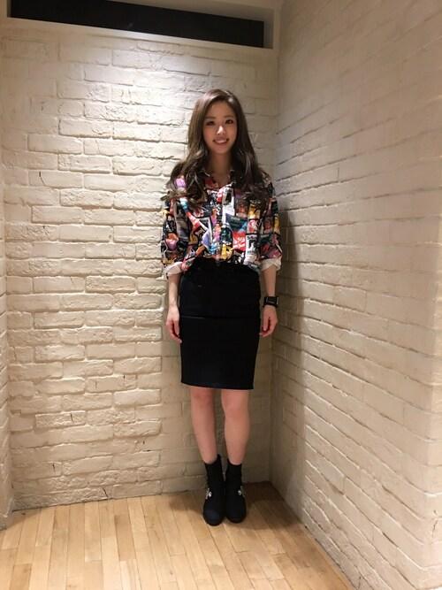 HYSTERIC GLAMOURルミネエスト店anna yamaguchiさんのシャツ/ブラウス「BACK STAGE PASS総柄 長袖BIG SH(HYSTERIC GLAMOUR|ヒステリックグラマー)」を使ったコーディネート