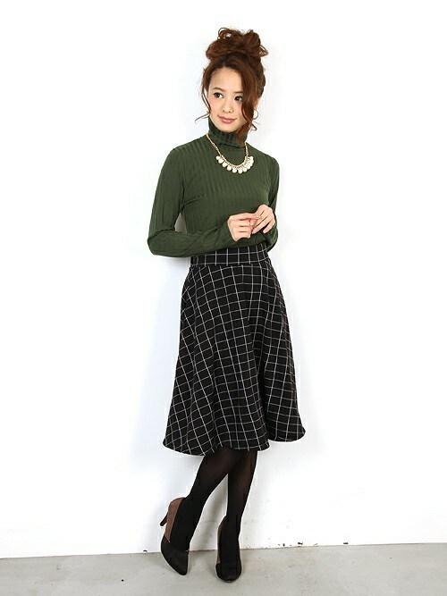 フェリーニさんの「ふわふわ暖かな裏ファーチェック柄スカート(FELLINI)」を使ったコーディネート