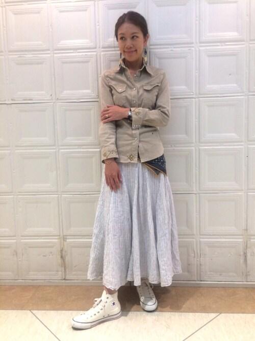 ビームス 横浜東口wakoさんのスニーカー「CONVERSE × BEAMS / 40th別注 オールスター R ハイ(CONVERSE|コンバース)」を使ったコーディネート