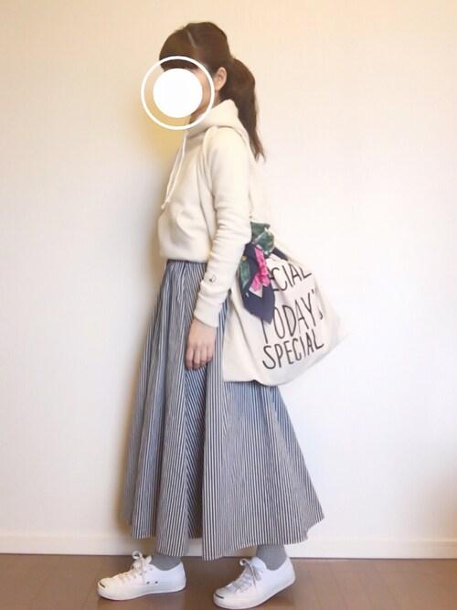 公園スタイル 30代母親 ボリュームスカート VERY掲載