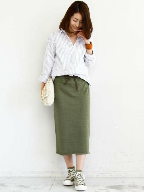 大人っぽいスカートスタイルにも