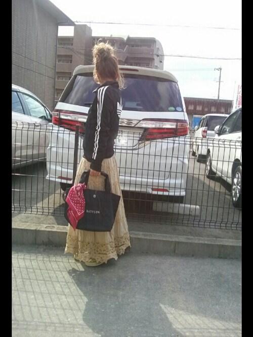KANAさんのトートバッグ「BAYFLOW/コンチョロゴトート(Mサイズ)(BAYFLOW|ベイフロー)」を使ったコーディネート