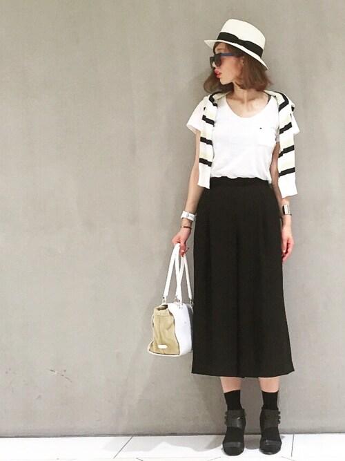 白×黒のモノトーンコーデ