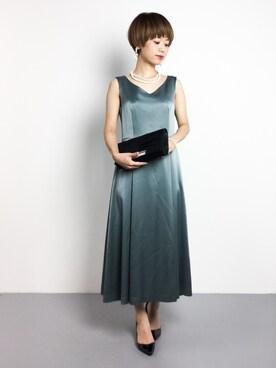 ZOZOTOWN|yukiさんの「BY DRESS サテンVネックノースリーブワンピース(BEAUTY\u0026YOUTH UNITED