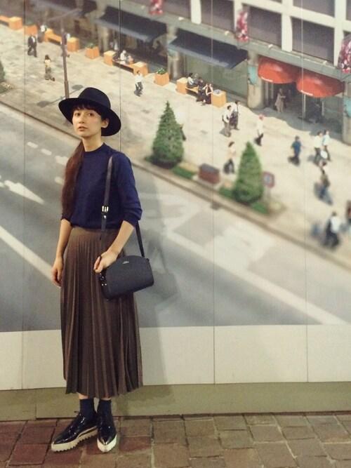 流行のプリーツロングスカート