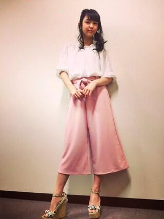 洋服が素敵な山谷花純さん