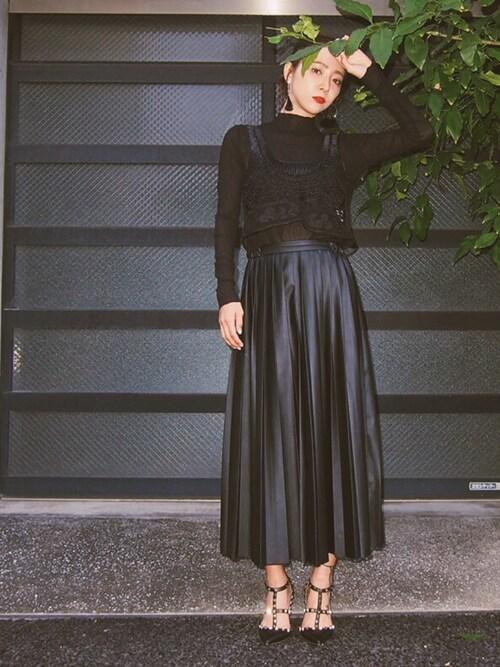 MURUA「フェイクレザーロングプリーツスカート」